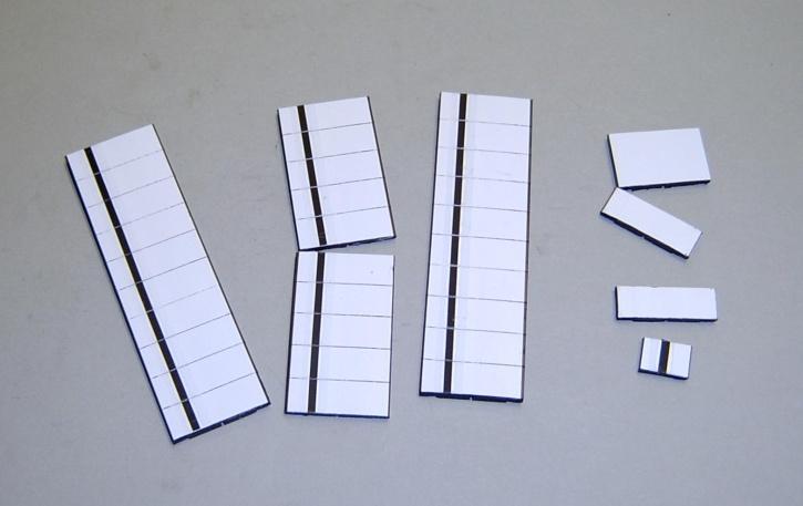 Satz Kippmagnete für Stundenplan, ganz weiß mit schwarzem Streifen