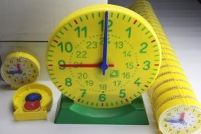 Uhren-Klassensatz im Karton