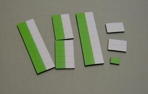 Satz Kippmagnete für Stundenplan, halb  hellgrün/ halb weiß